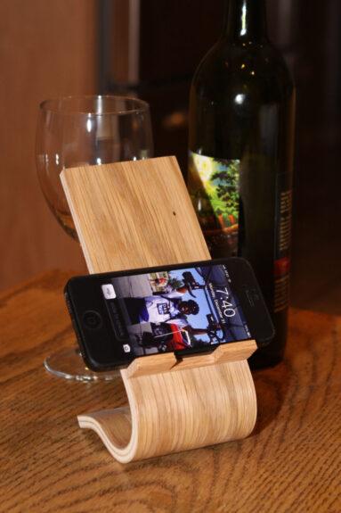 Curved Wood Smartphone Stand Bespokebug